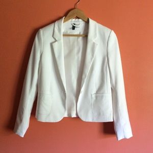 Size 8 Ivory waist length fitted blazer